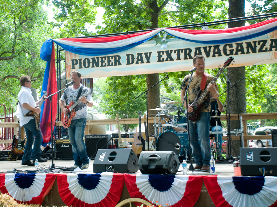 One of the groups that played at the Pioneer Days celebration. This group mostly covered Country music.