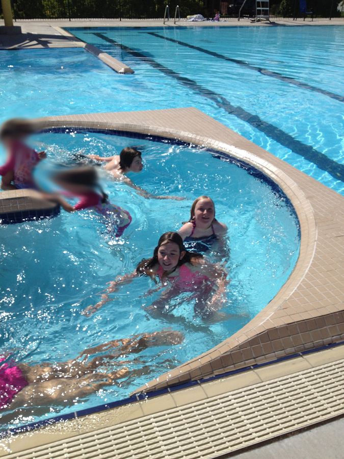 Elise took the kids to a pool to go swimming and the kids loved the Lazy River part.